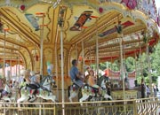 there are many fairground rides
